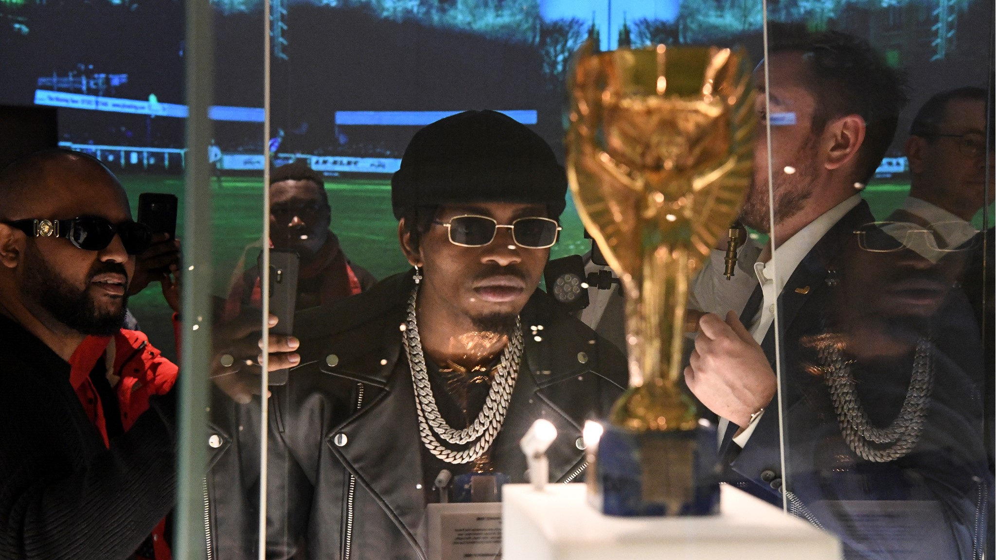African Superstar Diamond Platnumz brings the Baba Lao to the FIFA World  Football Museum - FIFA Museum (english)